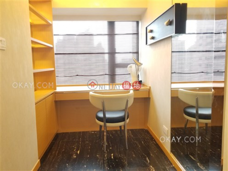 Unique 2 bedroom with balcony | For Sale, Centre Point 尚賢居 Sales Listings | Central District (OKAY-S81141)
