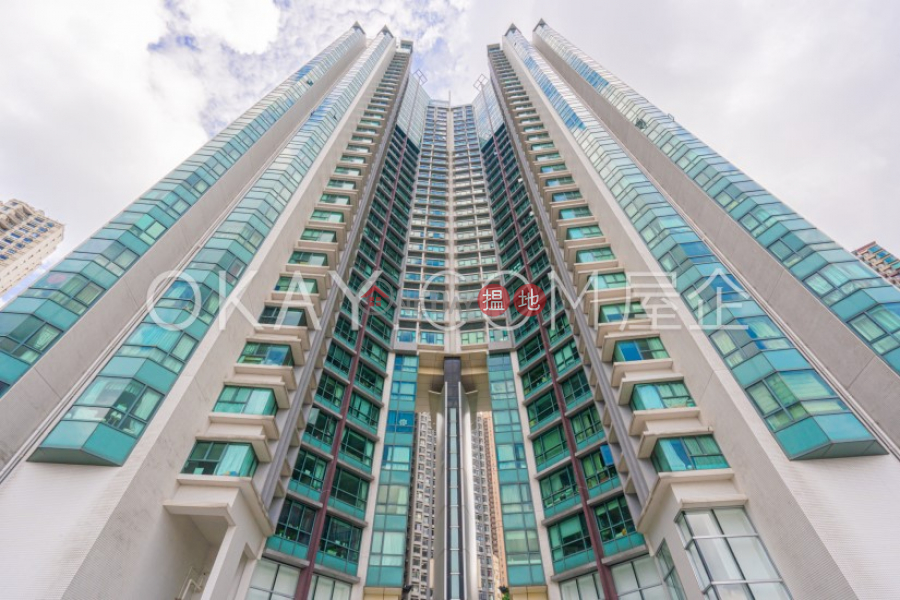 Nicely kept 2 bedroom with harbour views & parking   For Sale   80 Robinson Road 羅便臣道80號 Sales Listings