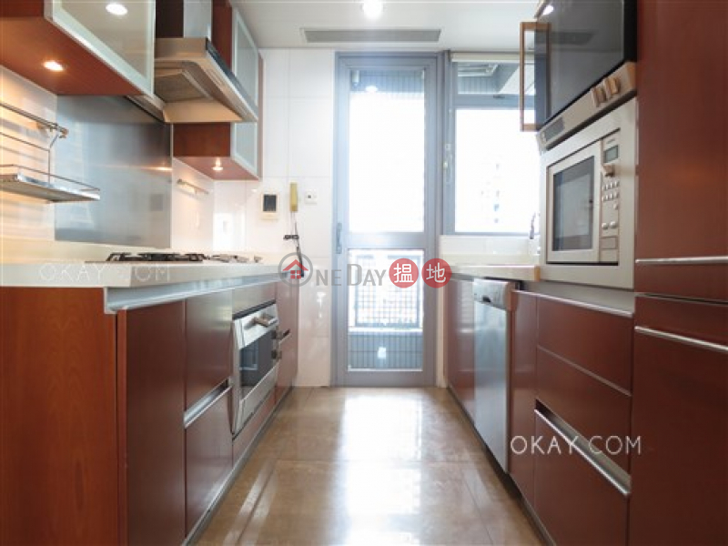 HK$ 64,000/ month Phase 4 Bel-Air On The Peak Residence Bel-Air | Southern District | Luxurious 3 bedroom with balcony & parking | Rental