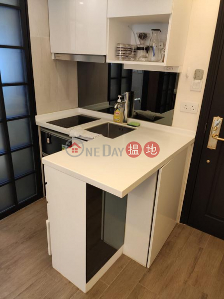 Flat for Rent in Yen May Building, Wan Chai | 11-21 Swatow Street | Wan Chai District, Hong Kong, Rental, HK$ 14,800/ month