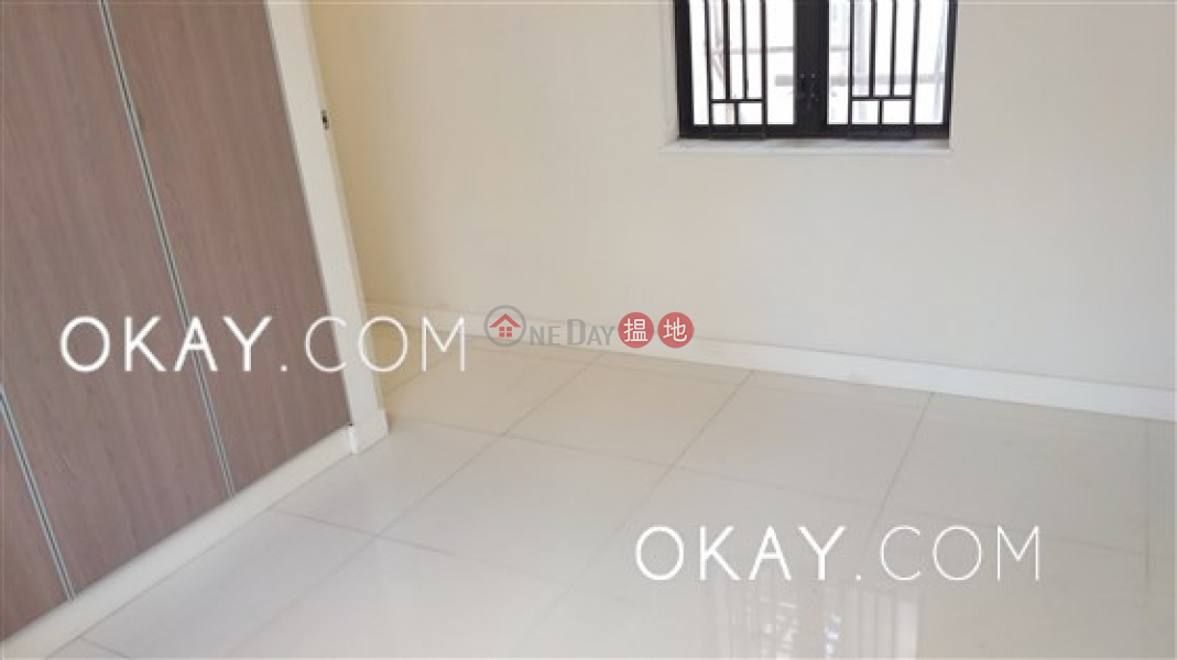 HK$ 9.88M | Hoi Ming Court, Western District | Intimate 2 bedroom on high floor | For Sale