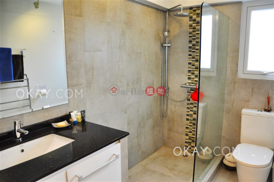 Stylish house with rooftop, balcony   For Sale   Yucca Villa 雍雅花園 Sales Listings
