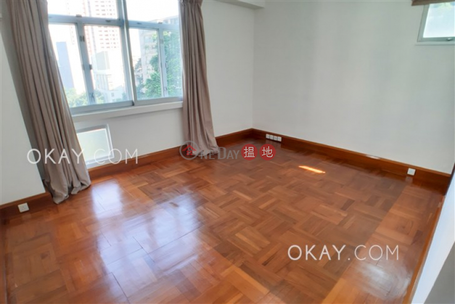 HK$ 74,000/ month, Robinson Garden Apartments | Western District, Stylish 3 bedroom with balcony & parking | Rental