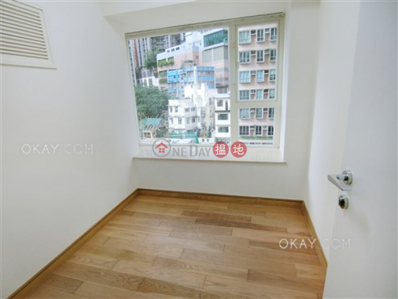 HK$ 32,000/ month, Centrestage Central District Elegant 2 bedroom with balcony | Rental