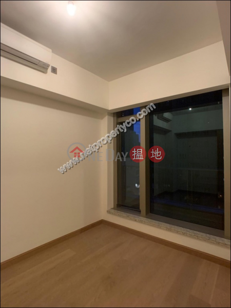 Property Search Hong Kong | OneDay | Residential Rental Listings, Large unit with a balcony for lease in Central