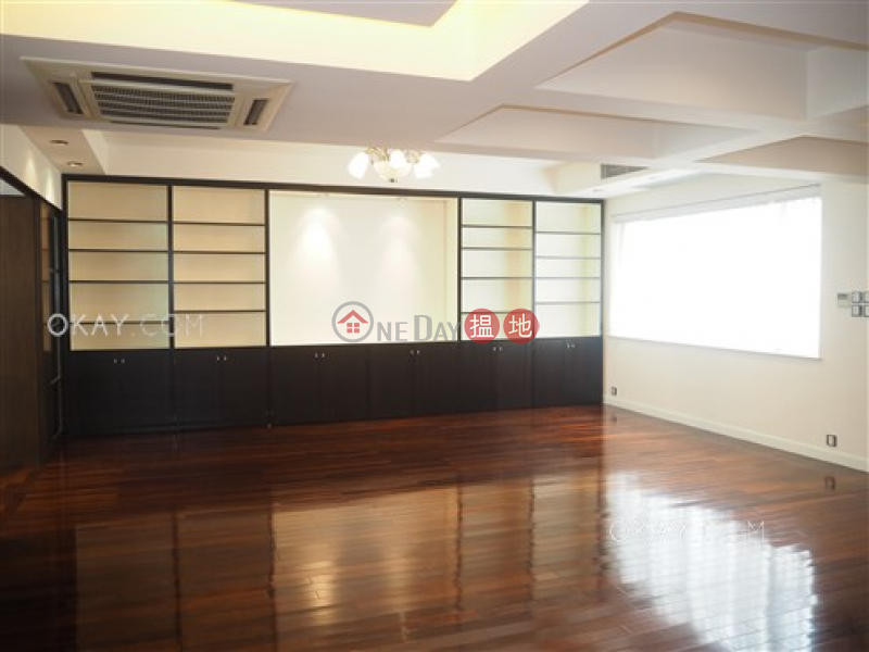 Property Search Hong Kong | OneDay | Residential | Rental Listings | Beautiful 3 bed on high floor with rooftop & balcony | Rental