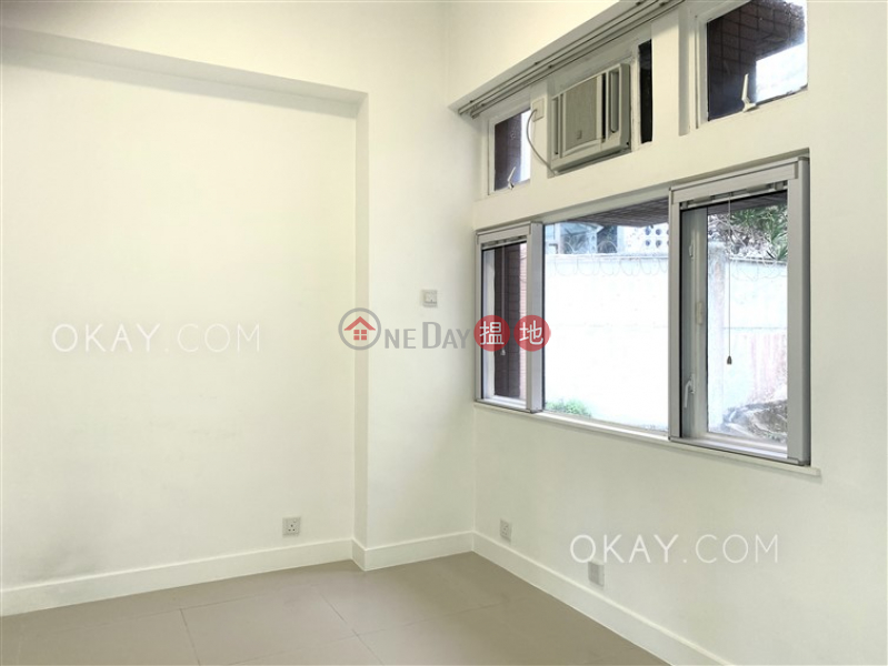 HK$ 50,000/ month, Cypresswaver Villas, Southern District | Stylish house with sea views & parking | Rental