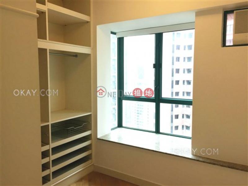 HK$ 33,000/ month Hillsborough Court Central District Lovely 2 bedroom in Mid-levels Central | Rental