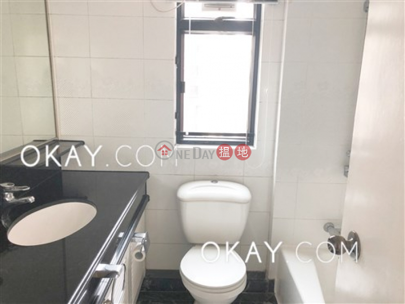 HK$ 95,000/ month, Dynasty Court, Central District | Luxurious 3 bed on high floor with harbour views | Rental