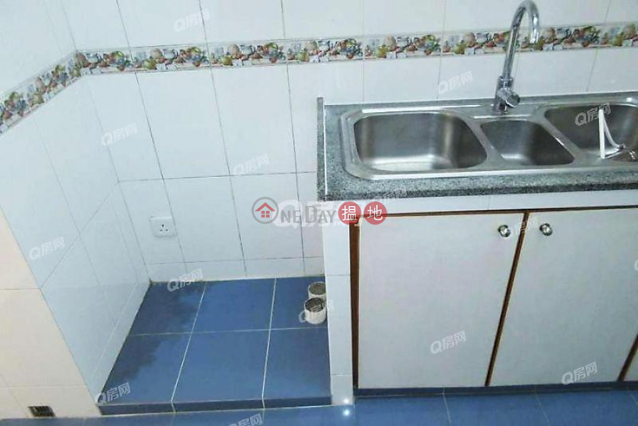 HK$ 60,000/ month Beverly Hill Wan Chai District Beverly Hill | 4 bedroom Low Floor Flat for Rent