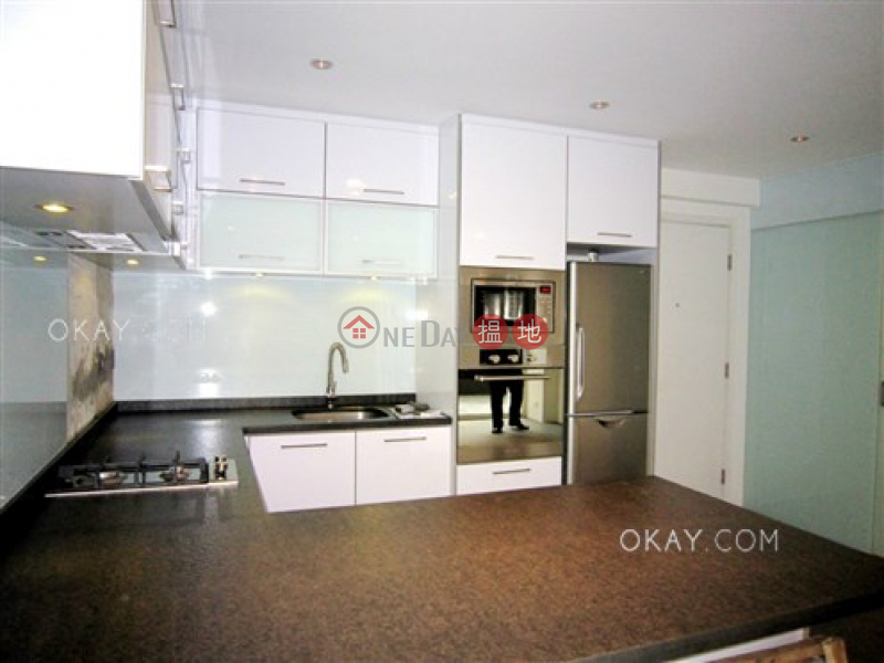 HK$ 9M, Hang Sing Mansion, Western District, Intimate 1 bedroom with terrace | For Sale
