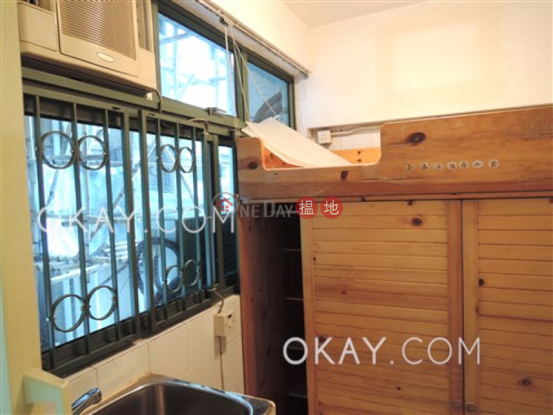 HK$ 50,000/ month, Robinson Place, Western District Nicely kept 3 bedroom in Mid-levels West   Rental
