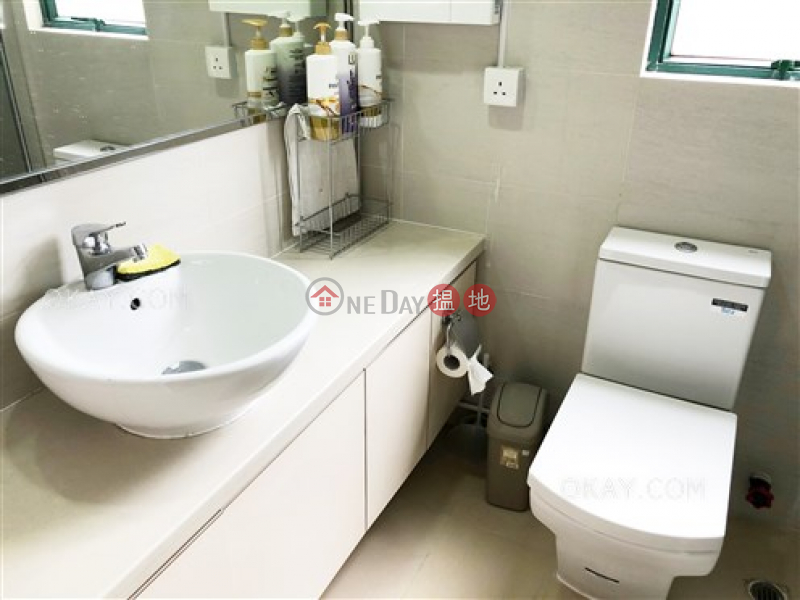 Stylish 2 bedroom with parking   For Sale   Stanford Villa Block 2 旭逸居2座 Sales Listings
