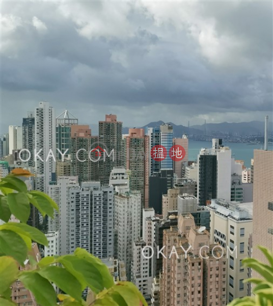Nicely kept 2 bedroom on high floor with rooftop | For Sale, 123 Hollywood Road | Central District | Hong Kong, Sales HK$ 15.5M