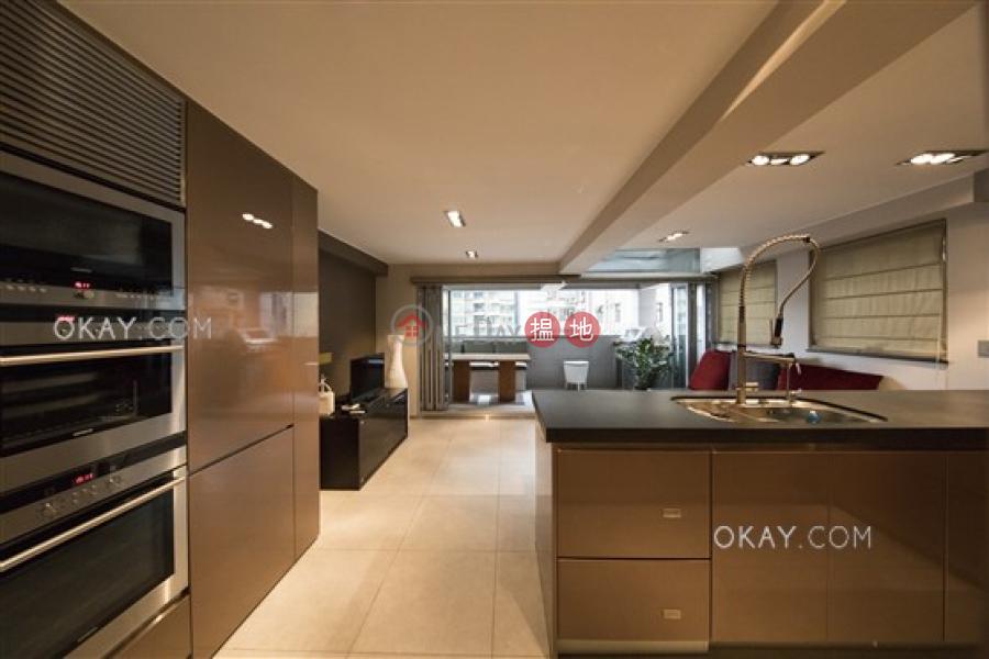 Gorgeous 1 bedroom on high floor with terrace | Rental | Luckifast Building 其發大廈 Rental Listings