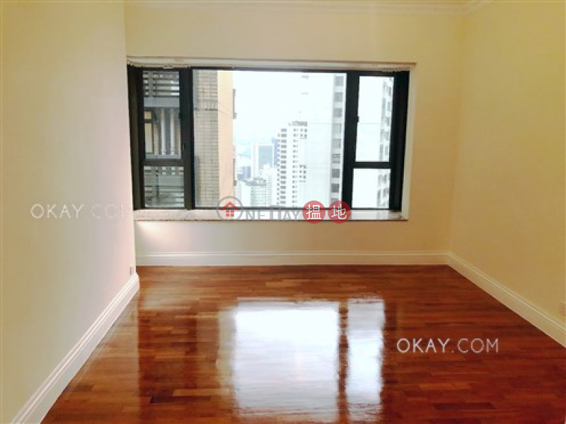 Stylish 3 bedroom on high floor with parking | For Sale | Tavistock II 騰皇居 II Sales Listings
