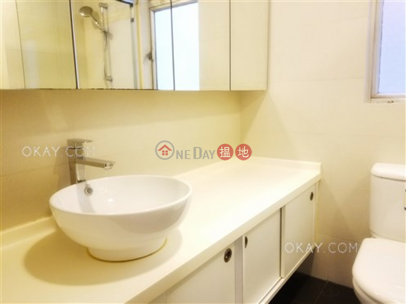 Efficient 3 bedroom with balcony | For Sale | Block 2 Phoenix Court 鳳凰閣 2座 Sales Listings
