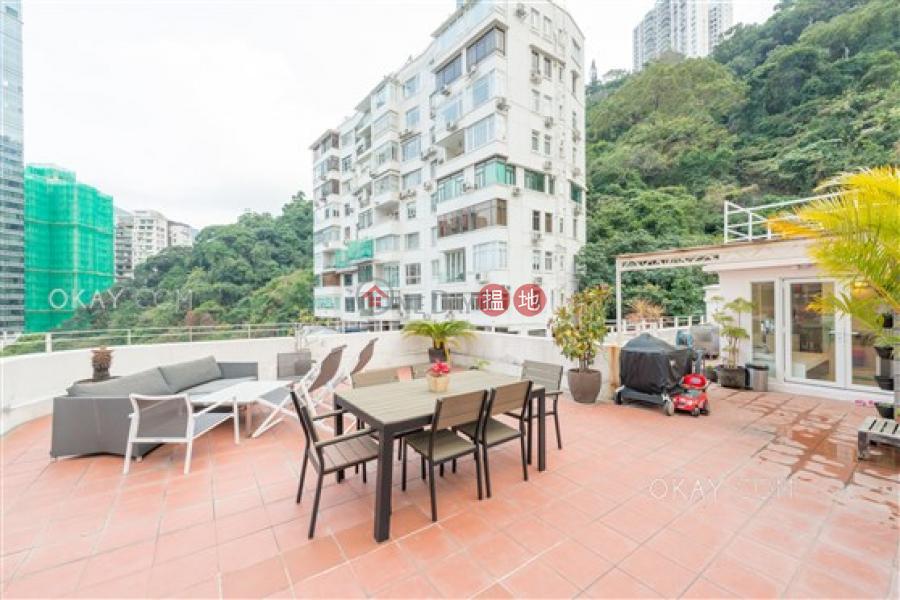 Stylish 3 bedroom on high floor with rooftop & parking | Rental | 27-29 Village Terrace 山村臺 27-29 號 Rental Listings