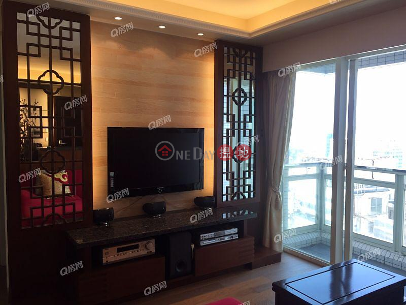 Centrestage | 3 bedroom Mid Floor Flat for Rent, 108 Hollywood Road | Central District Hong Kong, Rental | HK$ 48,000/ month