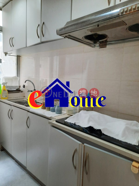 **High Efficiency**Building with Lift**Next to iSQUARE Shopping Centre, close to MTR & Bus Stop (Excellent Location)** 5-7A Lock Road | Yau Tsim Mong Hong Kong, Rental | HK$ 18,000/ month