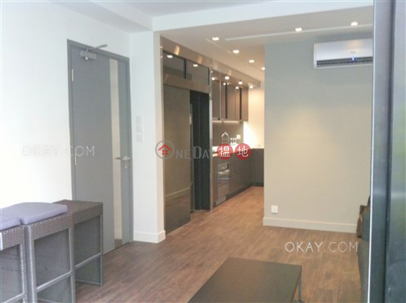 HK$ 9.8M, 63-65 Belcher\'s Street, Western District, Unique 2 bedroom on high floor with rooftop & balcony   For Sale