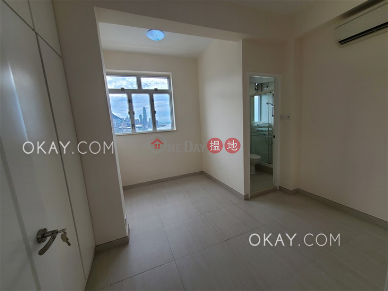 Efficient 3 bedroom on high floor with harbour views | Rental | Victoria Court 維多利大廈 Rental Listings