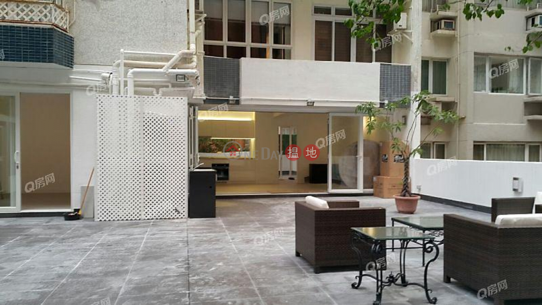 HK$ 28M, Grand Court, Wan Chai District, Grand Court   3 bedroom Flat for Sale
