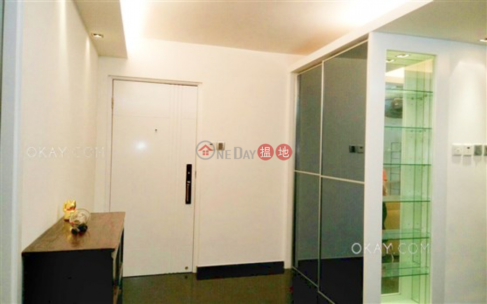 HK$ 16M Kam Ning Mansion, Western District, Nicely kept 2 bedroom with terrace | For Sale