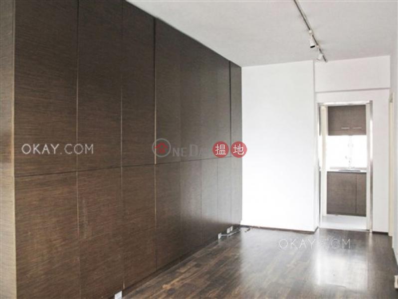 2房1廁,實用率高,極高層,馬場景《萬壽大廈出售單位》|萬壽大廈(Paramount Mansion)出售樓盤 (OKAY-S120051)
