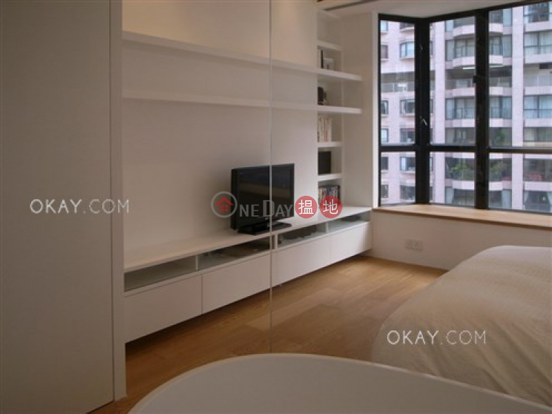 HK$ 22M St Louis Mansion | Central District Nicely kept 2 bedroom on high floor with parking | For Sale