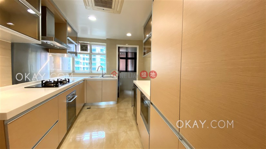 Beautiful 3 bedroom on high floor with parking   Rental   Dynasty Court 帝景園 Rental Listings