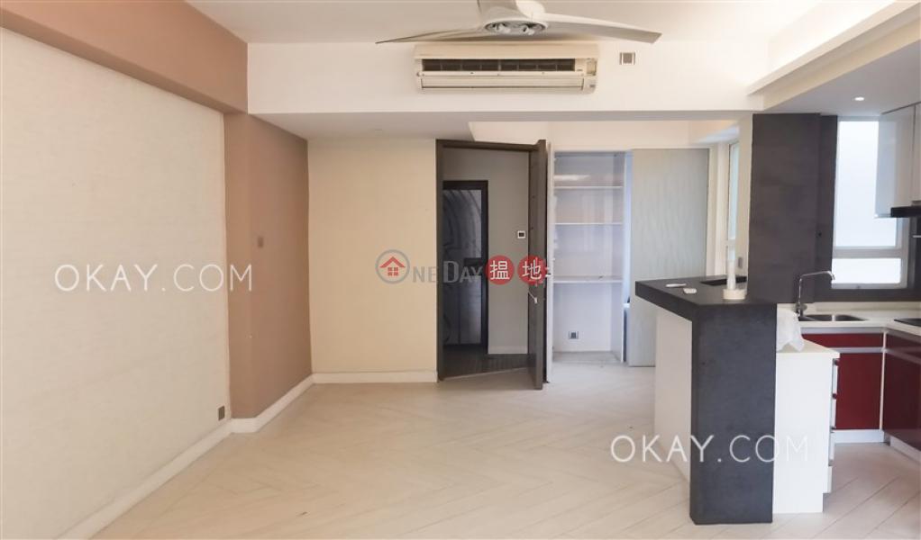 Charming 1 bedroom on high floor with balcony | Rental | Sung Lan Mansion 崇蘭大廈 Rental Listings