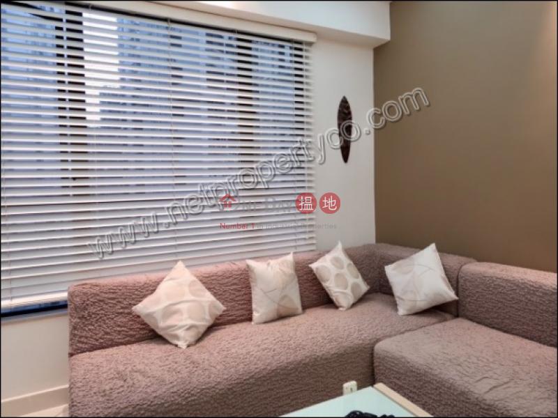 HK$ 33,000/ 月慧豪閣-中區-Designer Decor Unit for Rent / Sale $13800000