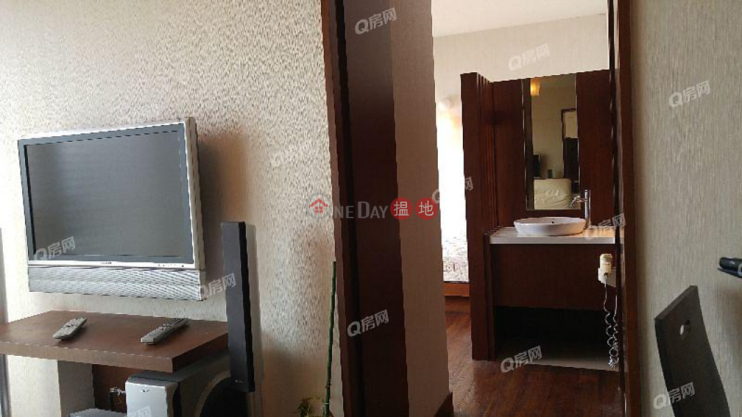 Property Search Hong Kong | OneDay | Residential | Rental Listings, The Victoria Towers | 1 bedroom Mid Floor Flat for Rent