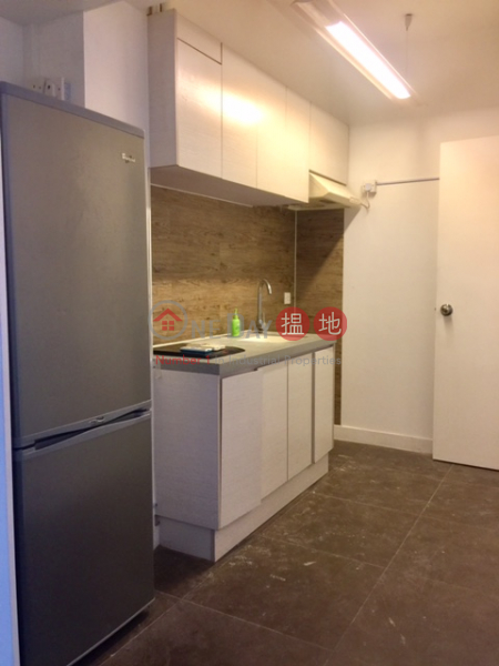 Residential for Rent in Sheung Wan, 40-41 Connaught Road West | Western District, Hong Kong, Rental | HK$ 35,000/ month