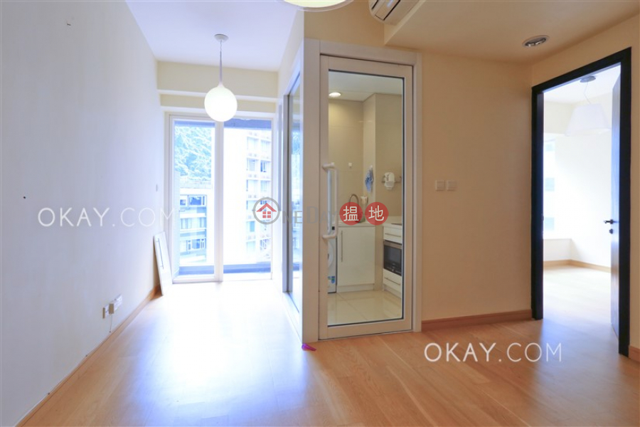 HK$ 27,000/ month The Icon | Western District Charming 1 bed on high floor with sea views & balcony | Rental