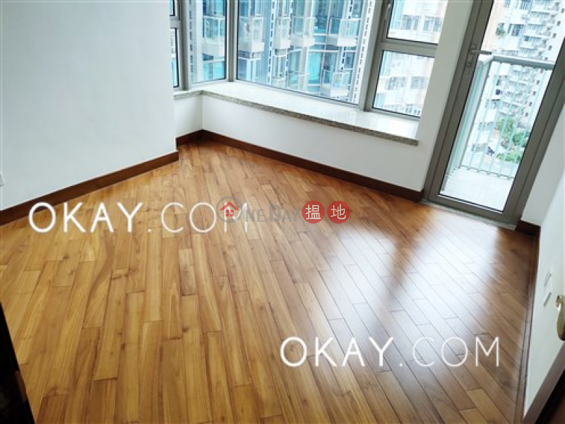 Nicely kept 2 bedroom with balcony | For Sale | The Avenue Tower 1 囍匯 1座 Sales Listings