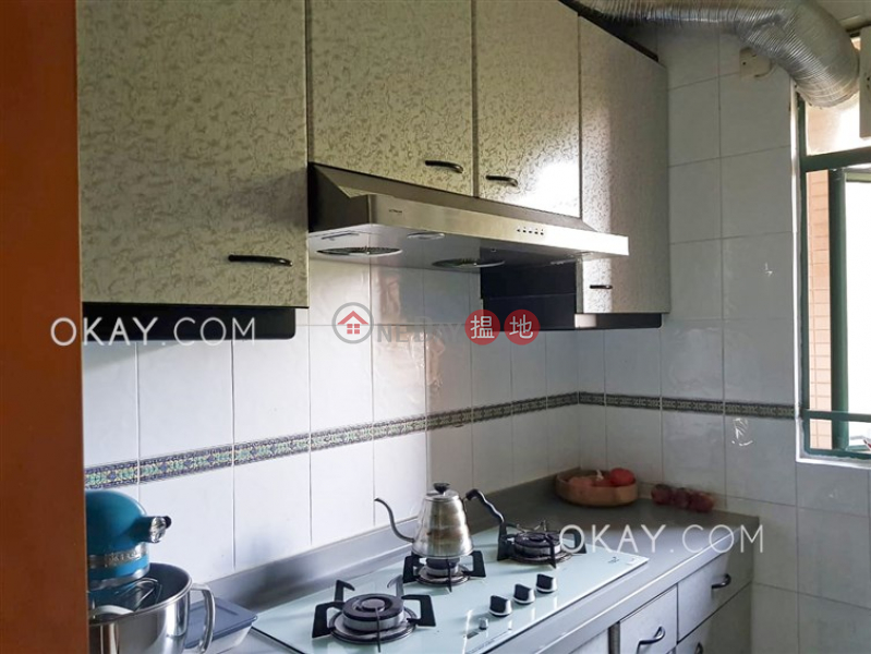HK$ 32,000/ month Hillsborough Court, Central District, Luxurious 2 bedroom with parking | Rental