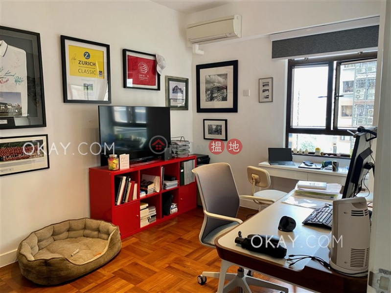 Gorgeous 3 bedroom with balcony & parking | Rental | 16-18 MacDonnell Road | Central District Hong Kong, Rental | HK$ 85,000/ month