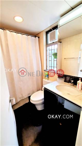 HK$ 28,800/ month, The Merton Western District, Cozy 2 bedroom on high floor with sea views & balcony | Rental
