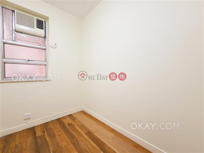 HK$ 36,000/ month | Block 45-48 Baguio Villa Western District | Lovely 2 bedroom with parking | Rental