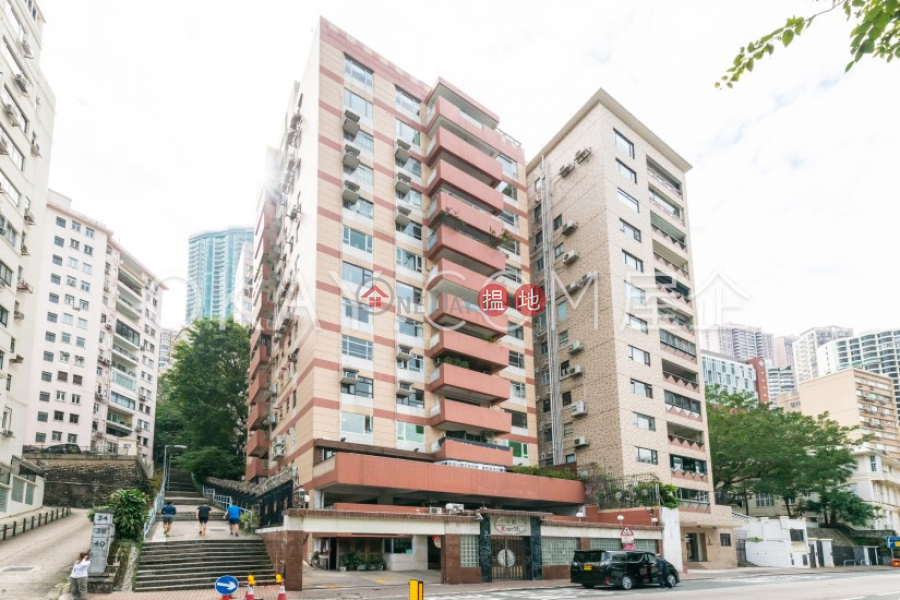 HK$ 80,000/ 月甘苑中區 3房2廁,實用率高,極高層,連車位甘苑出租單位