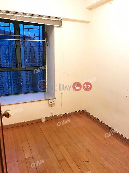 Tower 8 Island Resort   3 bedroom Low Floor Flat for Sale   28 Siu Sai Wan Road   Chai Wan District, Hong Kong   Sales   HK$ 12M