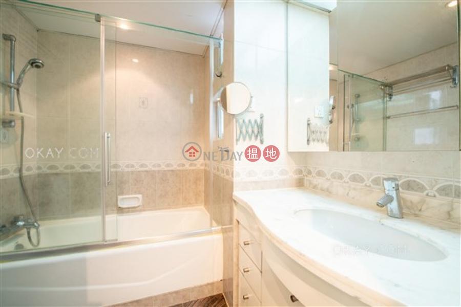 HK$ 72,000/ 月|金徽閣西區|3房2廁,實用率高,極高層,連車位《金徽閣出租單位》