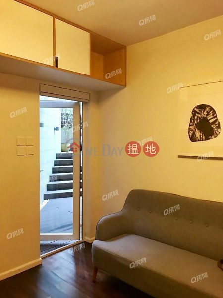 Windsor Court | 2 bedroom Low Floor Flat for Sale, 6 Castle Road | Central District, Hong Kong | Sales HK$ 12.8M