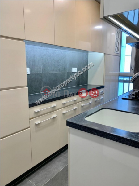 HK$ 13M (T-07) Tien Shan Mansion Kao Shan Terrace Taikoo Shing | Eastern District | Contemporary furnished High Floor Flat E Apt