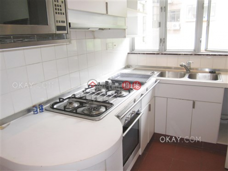 HK$ 50,000/ month The Rozlyn, Southern District, Stylish 3 bedroom with balcony & parking   Rental