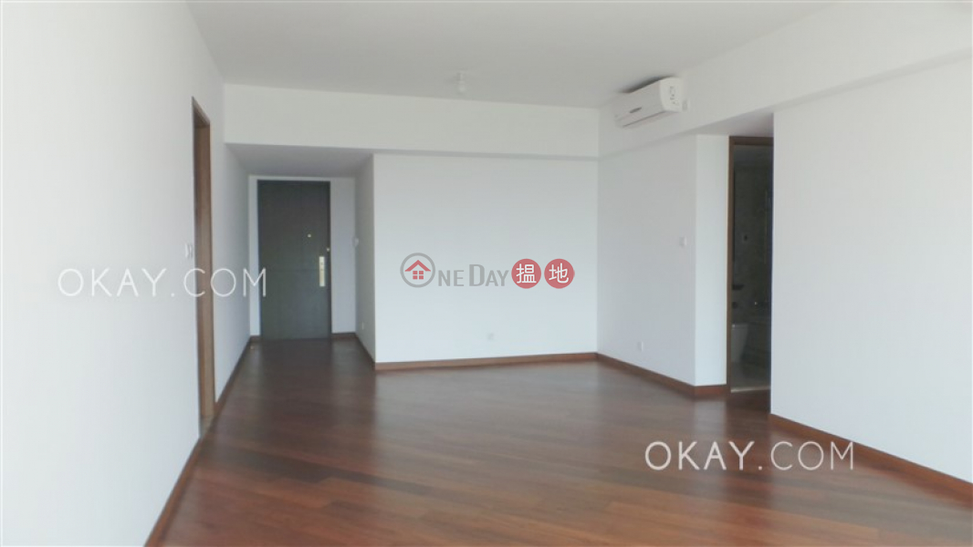 Rare 3 bedroom with balcony & parking | Rental | Parc Inverness Block 5 賢文禮士5座 Rental Listings