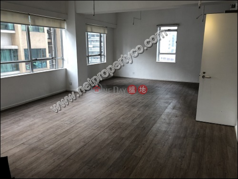 Spacious office for lease in Sai Ying Pun | Wing Hing Commercial Building 榮興商業大廈 Rental Listings
