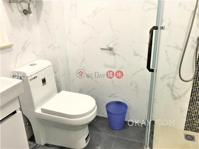 HK$ 34,000/ month, Greenland Gardens | Western District, Elegant 3 bedroom on high floor with parking | Rental
